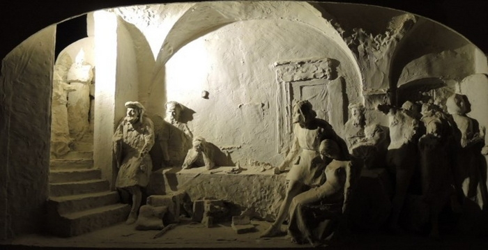 Марк Матвеевич (Мордух Матысович) Антокольский  «Нападение инквизиции в Испании на евреев, тайно справляющих Пасху» 1868 – 1870-е гг.