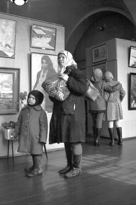 Фото Владимира Синева: «В картинной галерее»