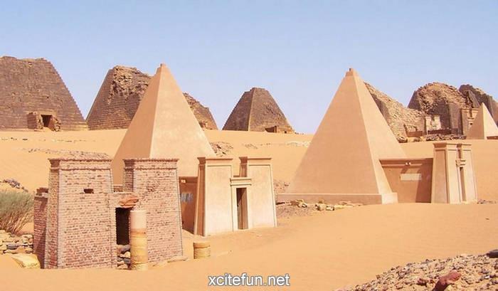 Пирамиды страны Куш в Судане